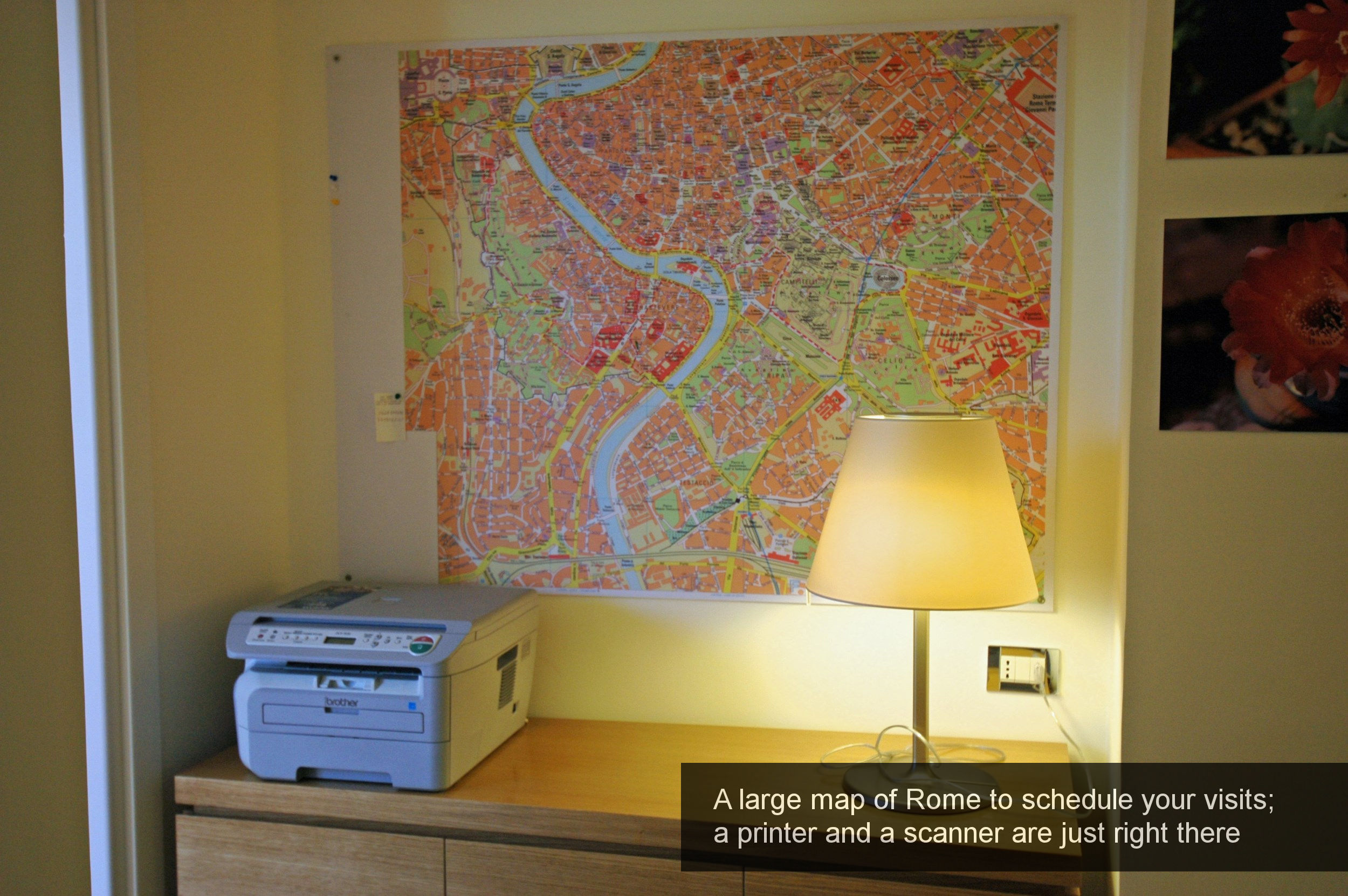 11) Large map of Rome to program, your visits, printer, scanner