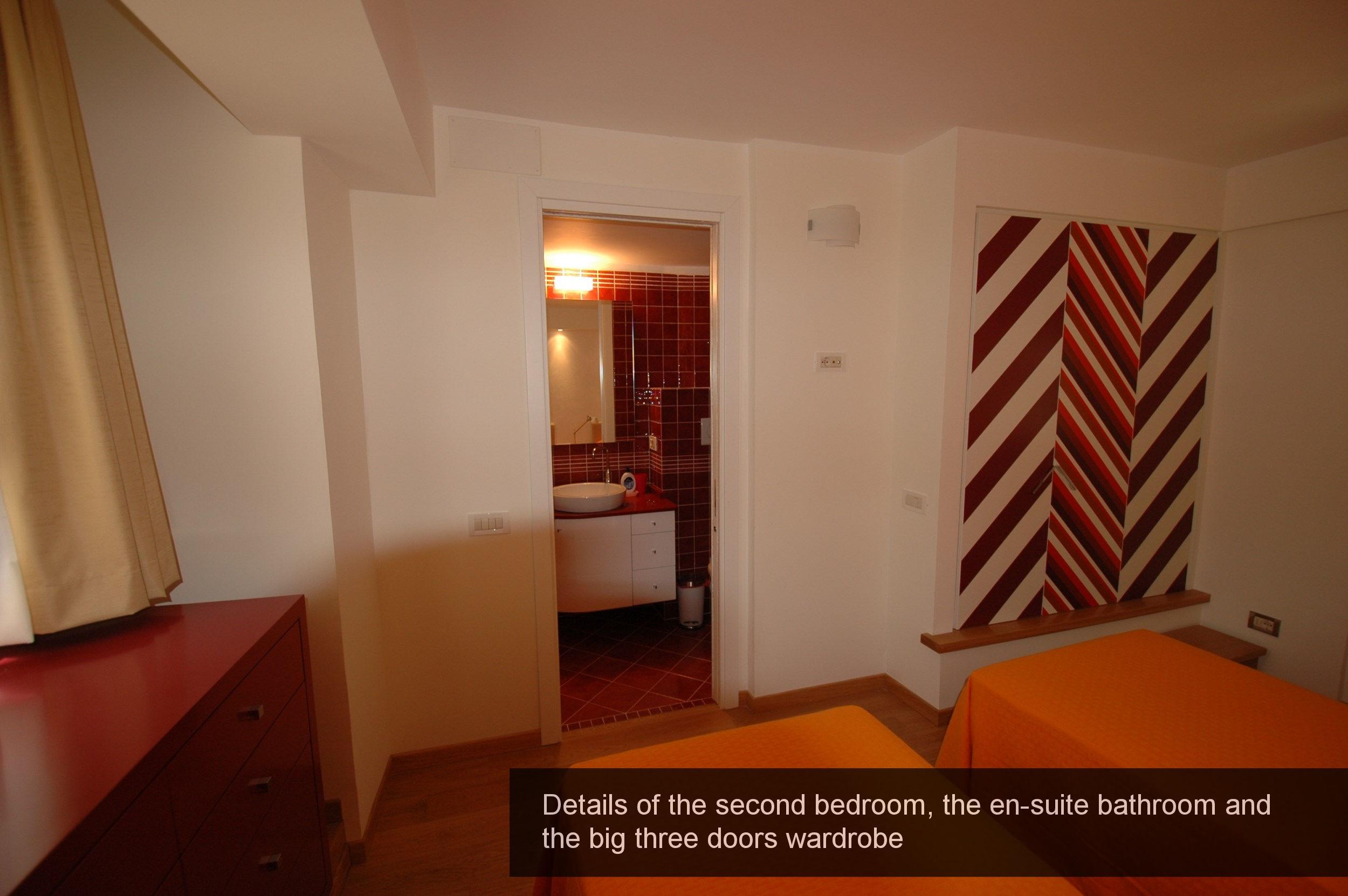 19) details second bedroom